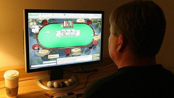 Vai voltar a ser possível jogar póquer online em Portugal ainda este mês