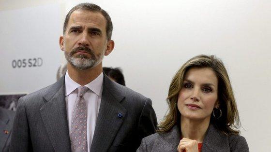 A visita termina com a deslocação de Filipe VI e Letizia à Fundação Champalimaud, acompanhados pelo Presidente da República