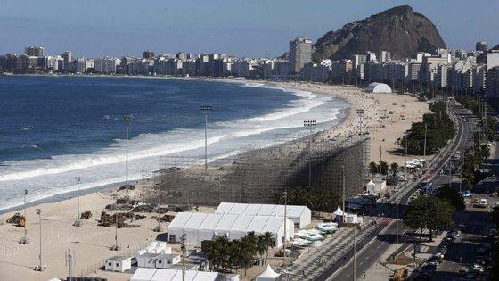 A recessão também fez com que o consumo do Governo brasileiro recuasse 0,3% neste período