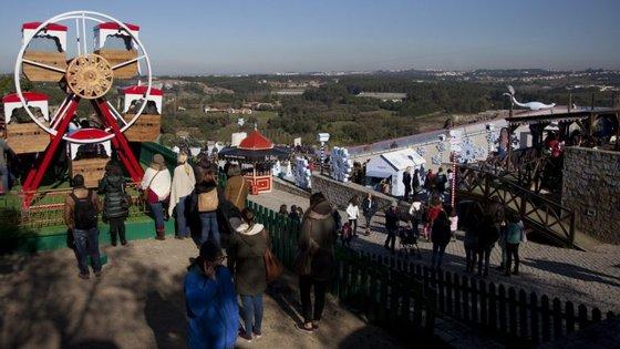 Óbidos transforma-se agora na Vila Natal. Mas há mais festas pelo país