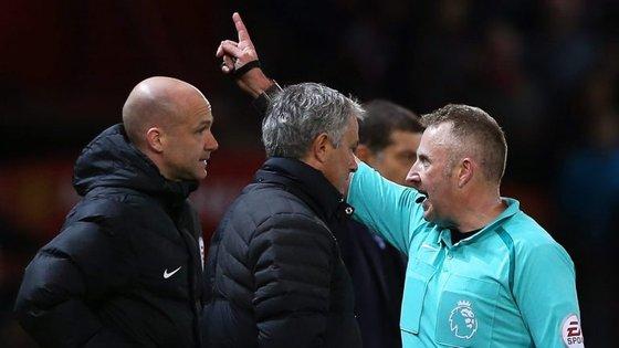 Este é o terceiro castigo de Mourinho desde que chegou ao Manchester United