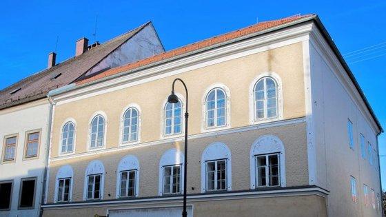 A casa estava alugada ao Estado por 4.700 euros mensais, para evitar o seu uso de forma indesejada