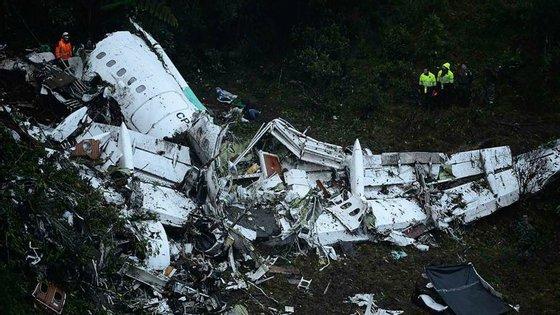 Entre as 71 vítimas, estão 22 jogadores do chapecoense e 22 dirigentes, membros da equipa técnica e convidados