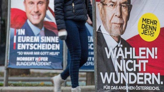 O resultado de Hofer na primeira volta levou à demissão do chanceler socialista Werner Faymann