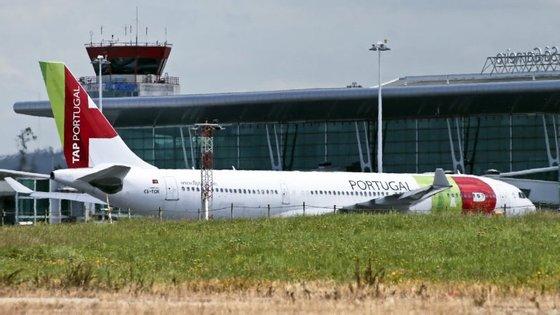 """A aterragem do voo, que transportava 75 passageiros e seis tripulantes, ocorreu """"sem contratempos"""", de acordo com o organismo"""