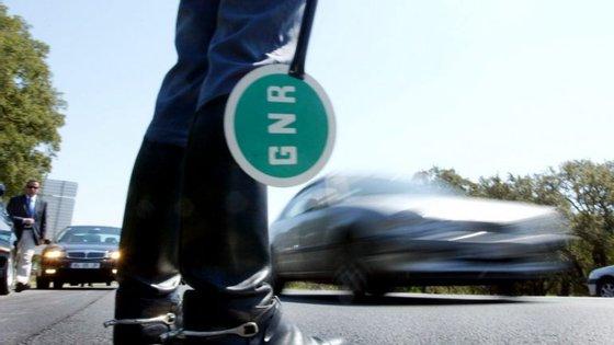 Operações de fiscalização rodoviária foram efetuadas entre as 20h00 de sábado e as 08h00 de hoje
