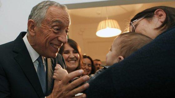 """Cerca de um mês e meio depois de tomar posse como Presidente da República, Marcelo Rebelo de Sousa estreou uma iniciativa a que chamou """"Portugal Próximo"""""""