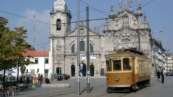 """Tudo isto leva a que, """"nos últimos três anos"""", o centro histórico do Porto receba, """"em simultâneo, cerca de 150 a 200 obras por ano"""""""