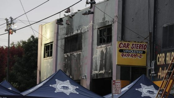"""A chefe dos bombeiros de Oakland Teresa Deloach-Reed disse que o número de vítimas vai """"certamente aumentar"""""""