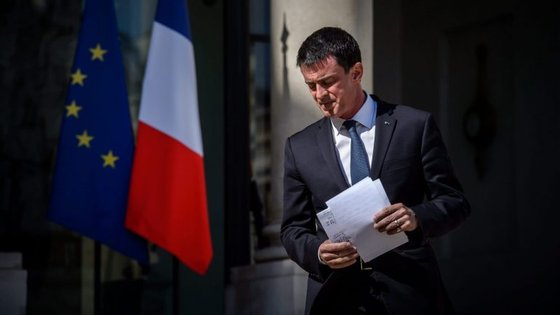 Avançando, Manuel Valls terá de ser substituído enquanto primeiro-ministro