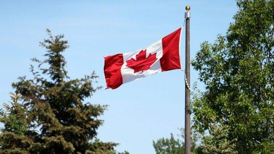 A delegação de dez elementos da NERSANT, incluindo representantes de seis empresas, está em Toronto até quinta-feira,