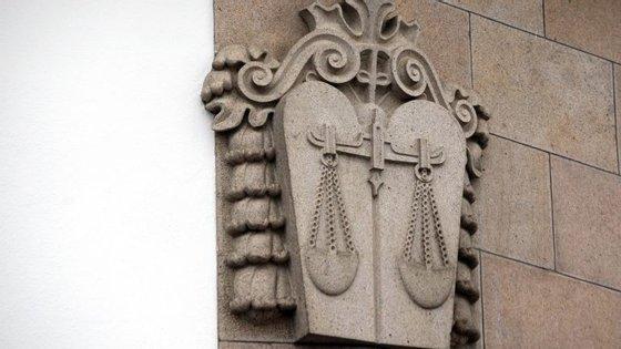 O presidente do Vitória de Setúbal, Fernando Oliveira, informou previamente o tribunal de que não podia comparecer por motivo de doença