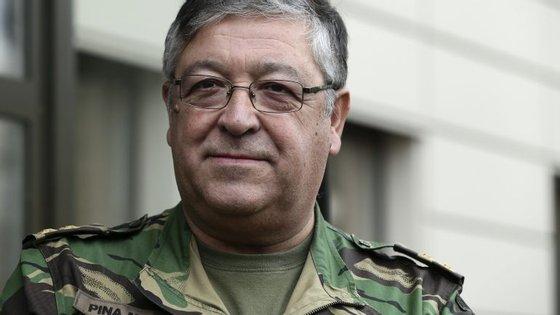 """Governo pretende que o cargo de CEMGFA volte a ser ocupado por """"um chefe da Marinha"""" quando Pina Monteiro terminar as suas funções"""
