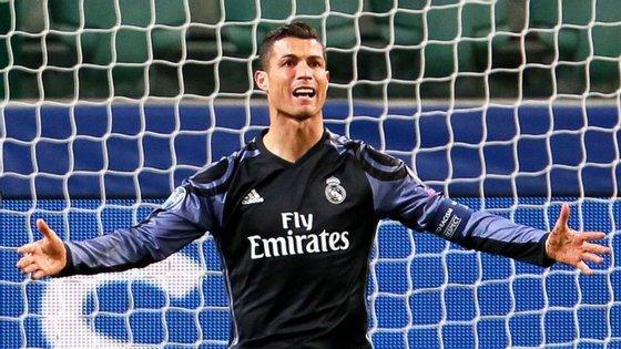 Ronaldo está incluído num gurpo, de personalidades do futebol, que estão a ser investigados por alegada evasão fiscal