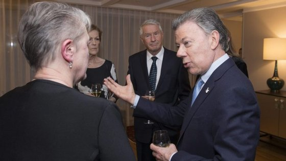 Juan Manuel Santos, presidente da Colômbia, recebeu este sábado o Prémio Nobel da Paz