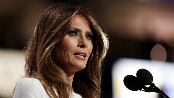 Estilistas conceituados, desde franceses aos americanos, não querem vestir a futura primeira-dama