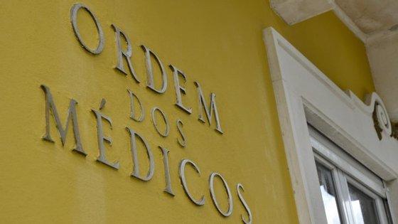 A Ordem recorda que a decisão de propor ao Ministério da Saúde a criação de um livro de reclamações para profissionais de saúde foi tomada em setembro de 2015