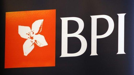 O BPI está em processo de venda de parte da sua participação no BFA, decorrendo esta terça-feira à tarde a assembleia-geral de acionistas no Porto para deliberar sobre a operação