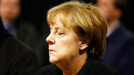"""Angela Merkel disse que a possibilidade de o autor do ataque na Breitscheidplatz ser refugiado era """"repugnante"""""""
