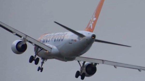 O avião pertencia à companhia aérea Edelweiss e fazia a ligação entre Zurique, na Suíça, e o Funchal
