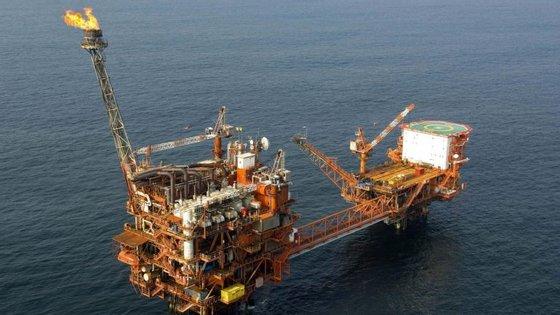 No início do ano, o preço do petróleo baixou para valores mínimos, tendo o mais baixo sido alcançado em 20 de janeiro