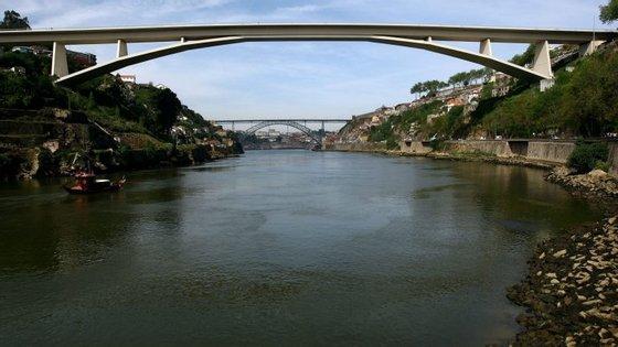 Estas obras surgem enquadradas no memorando de entendimento que as câmaras e a empresa Infraestruturas de Portugal (IP)