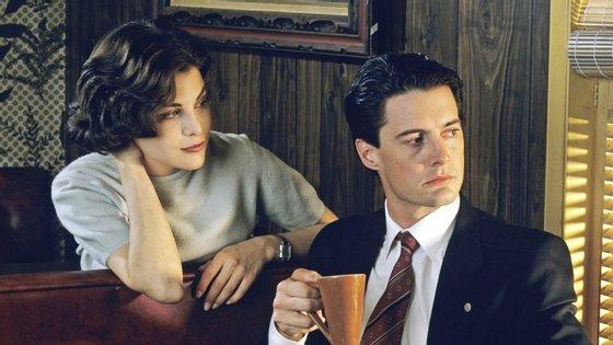 Audrey, esté o o agente Cooper. Agente Cooper, esta é a Audrey