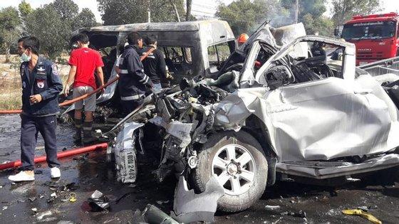 As autoridades estão a investigar a possibilidade de um dos condutores ter perdido o controlo e ter provocado o acidente