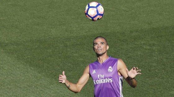Pepe estatá a caminho da China para o Hebei China Fortune