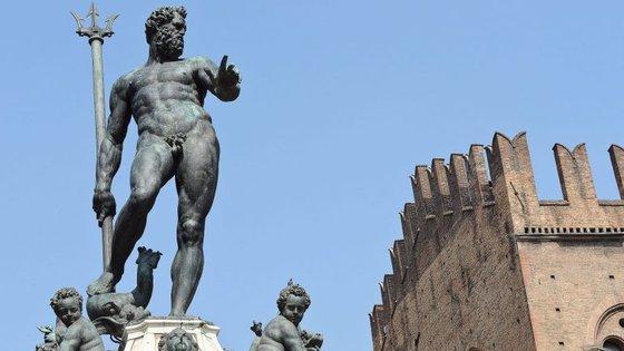 A estátua de Neptuno, em Itália, está no centro da polémica
