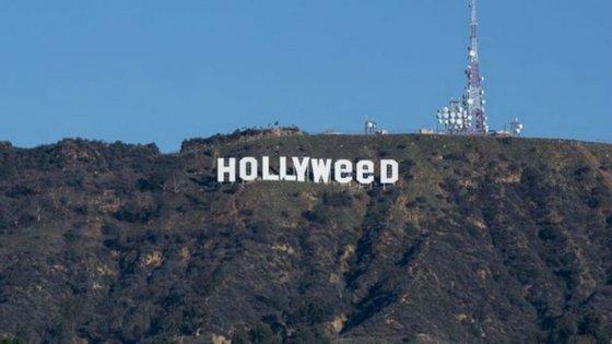 """Não é a primeira, segunda ou até terceira vez que o letreiro mais conhecido das colinas da Califórnia é """"vandalizado"""""""
