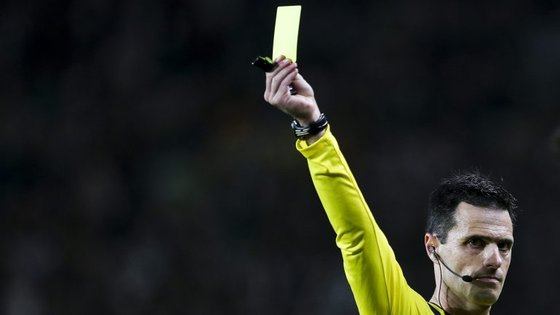 O árbitro Carlos Xistra foi um dos escolhidos para os jogos de terça-feira, do grupo D, e de quarta-feira, do grupo C, que encerram a terceira jornada da competição