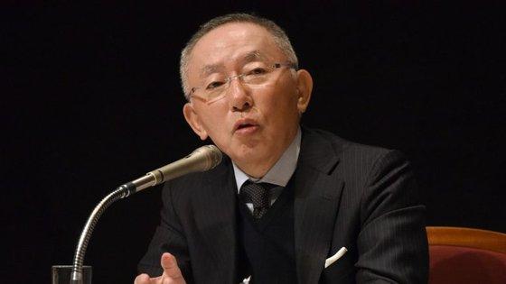 Tadashi Yanai, o homem mais rico do Japão, teve uma perda de biliões de dólares, em apenas um dia