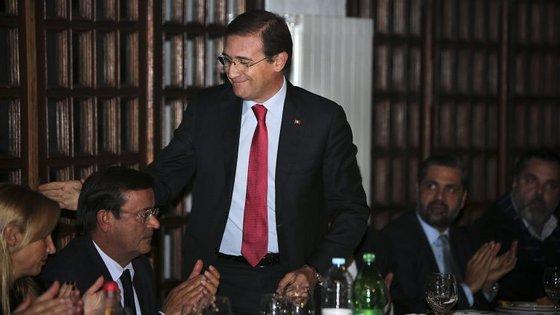 O PSD anunciou que irá apoiar a decisão da esquerda de revogar a descida da TSU