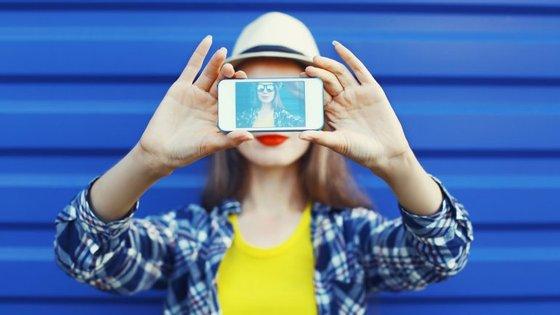 O estudo identificou três tipos de pessoas que tiram selfies.