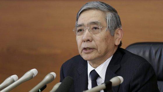 Ao ser questionado sobre a recente proibição aprovada pela Casa Branca de conceder vistos de entrada aos cidadãos de sete países muçulmanos, Kuroda recusou pronunciar-se