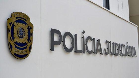 A menor está já a ser ouvida na Polícia Judiciária (PJ) em Coimbra