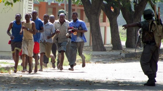 A AI observa ainda que as autoridades moçambicanas recusaram-se a assumir a existência de cerca de 10 mil refugiados de guerra moçambicanos obrigados a procurar abrigo no Malaui