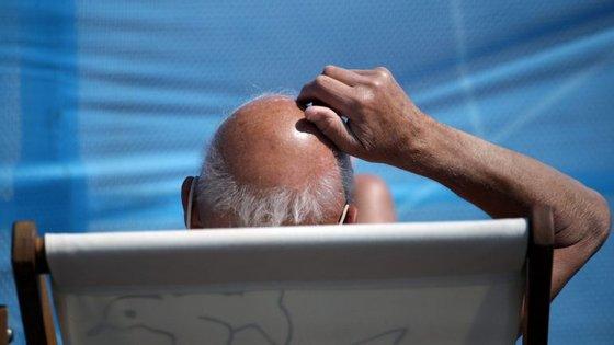 80% dos homens têm propensão para ficarem carecas a partir dos 80 anos