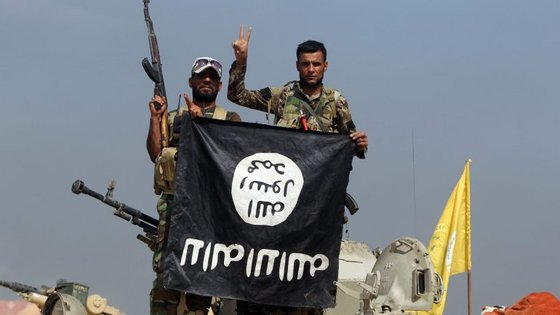 As tropas do regime iraquiano, apoiadas pela coligação internacional liderada pelos Estados Unidos, anunciaram na semana passada o lançamento de uma nova operação militar para recuperar a zona oeste da cidade de Mossul