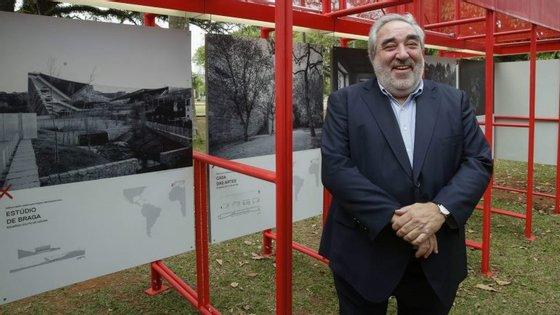 """O arquiteto Eduardo Souto de Moura foi um dos oradores, em 2016, no ciclo de conferências sobre """"Arquitetura Portuguesa Criatividade e Inovação"""", que decorreu, com uma exposição, na Fundação Calouste Gulbenkian, em Lisboa"""