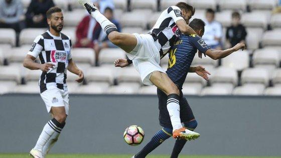 A equipa de Moreira de Cónegos venceu surpreendentemente a edição deste ano da Taça da Liga, mas, depois da vitória no Algarve, tem vindo a cair posições na Liga
