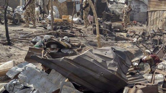 A revolta do Boko Haram na Nigéria matou em sete anos mais de 20.000 pessoas e obrigou 2,6 milhões a abandonarem as suas casas