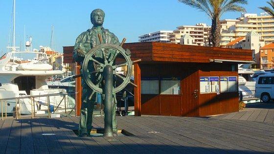 A marina de Vilamoura faz 43 anos em 2017 e durante os seus primeiros vinte anos de existência foi a única em Portugal