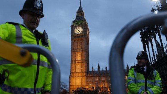 Segundo as forças de segurança britânicas, a maior ameaça é o grupo extremista Estado Islâmico, referindo-se ainda aos simpatizantes da Al Qaeda e às ameaças dos elementos da extrema-direita