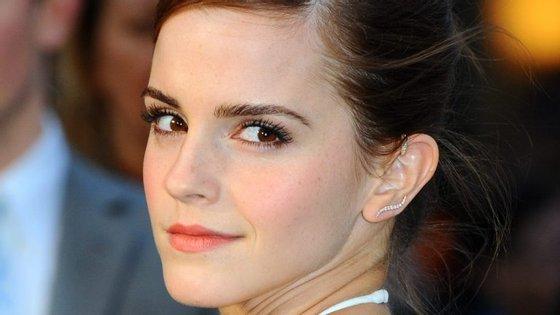 "Emma Watson, de 26 anos, ficou conhecida por ter interpretado o papel de Hermione na saga ""Harry Potter"", entre 2001 e 2011"