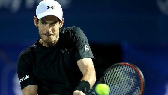 Murray, de 29 anos, bateu no encontro decisivo o espanhol Fernando Verdasco, enquanto os seus mais diretos perseguidores foram eliminados em fases precoces dos torneios em que estiveram envolvidos