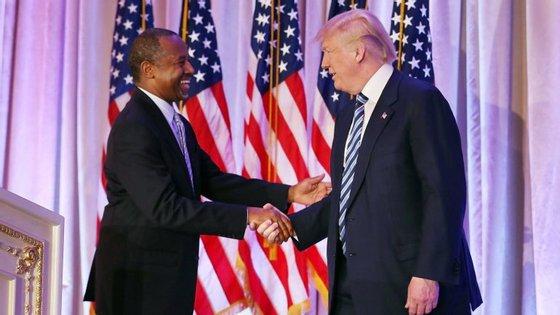 O neurocirurgião Ben Carson foi o escolhido de Donald Trump para chefiar a Secretaria de Habitação e Desenvolvimento Urbano