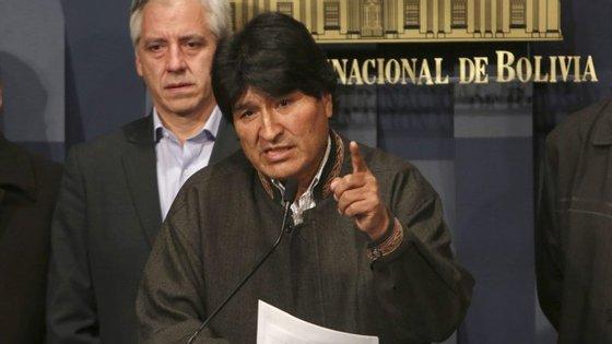 """Evo Morales recusa-se a deixar de trabalhar, porque """"descansar é trair a pátria"""""""