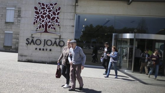 A nova ala visa dar resposta às necessidades de internamento pediátrico no Hospital São João, que funciona em contentores há anos